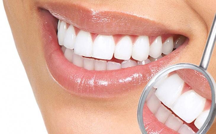 Lentes de Contato no Diário Odontológico