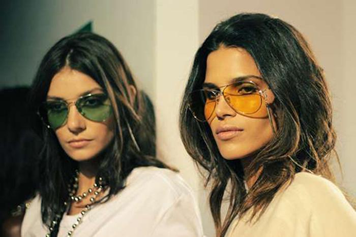 476a3216f Óculos de sol com lente colorida, pra investir! - Monalisa De Batom
