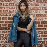 Disco pants & maxi jaqueta na inspiração de sexta