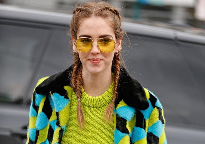 Óculos de sol com lente colorida