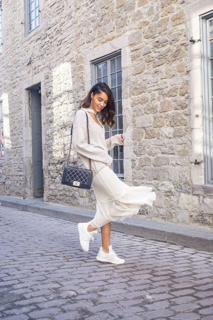 52f83252f8de148a2782507a010446ff--chanel-boy-bag-velvet-skirt