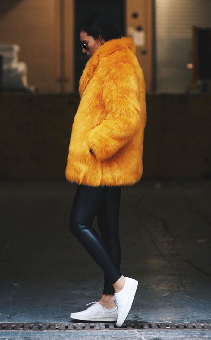 calca-couro-casaco-amarelo-170801-041427
