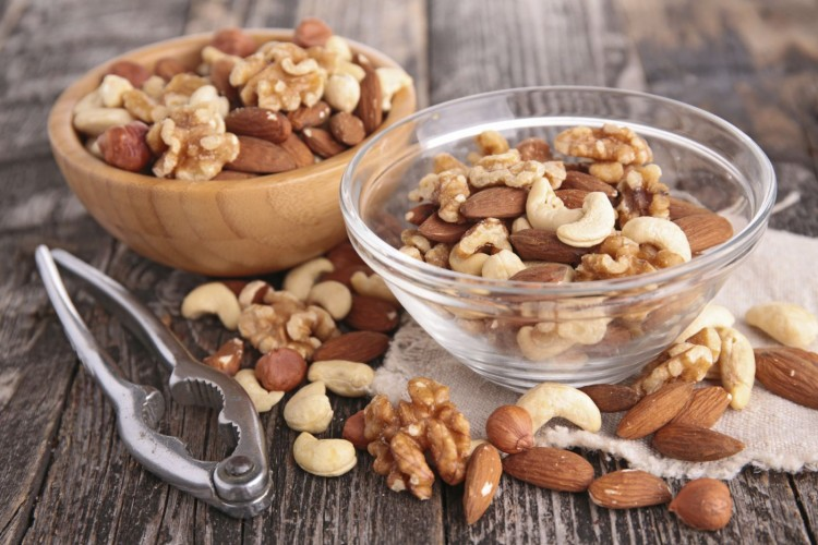 mixded-nuts-iStock_000055621436_Medium