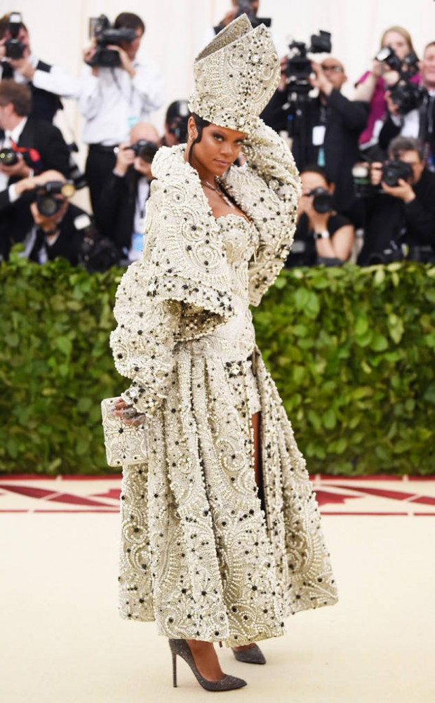 rs_634x1024-180507161108-634-Rihanna-Best-Dressed-Met-Gala