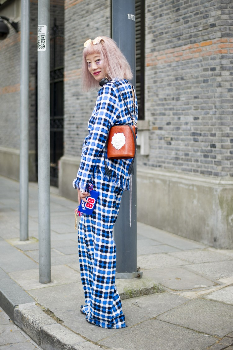 Shanghai Fashion Week street style.