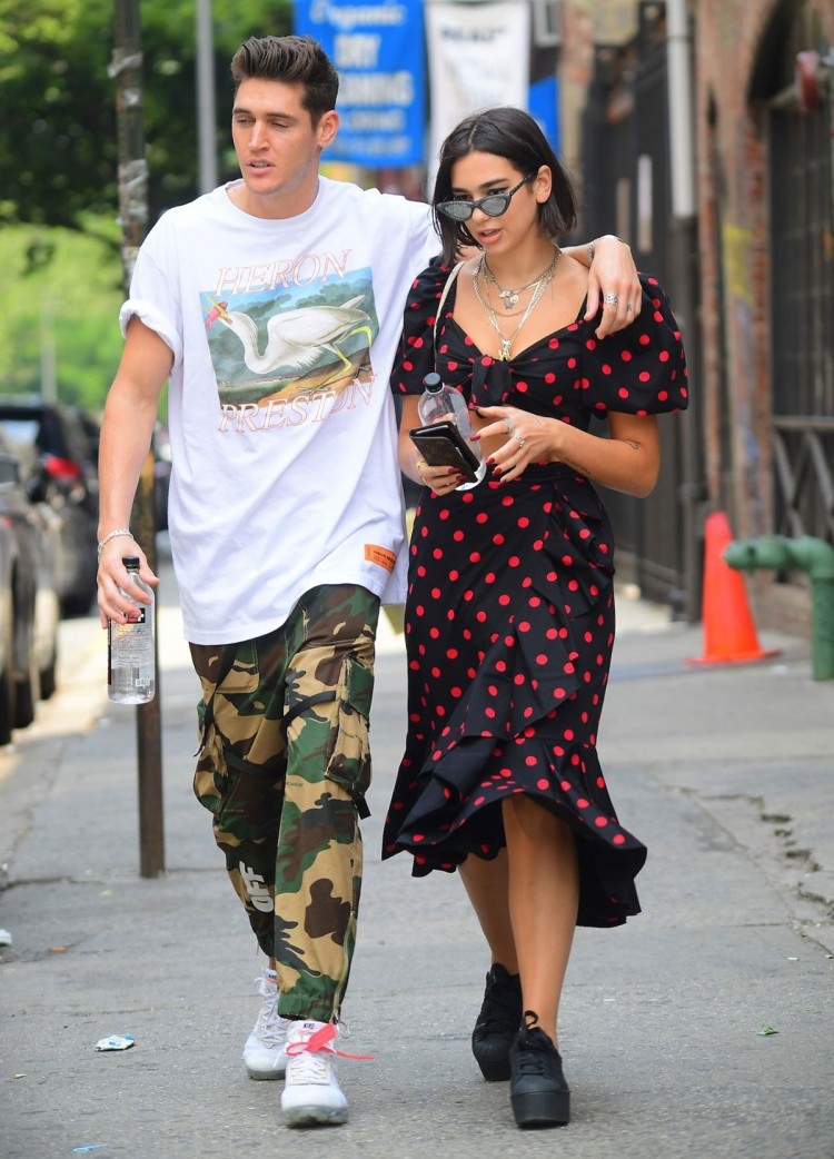 Dua-Lipa-With-Her-Boyfriend-Isaac-Carew-in-New-York-1